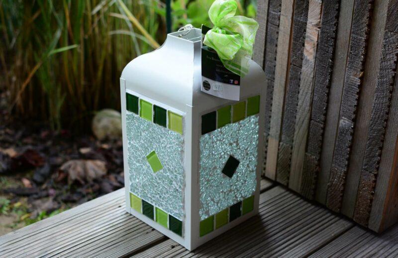Mosaik Laterne weiß grünmix/transparent von EvaArtist Glasmosaik